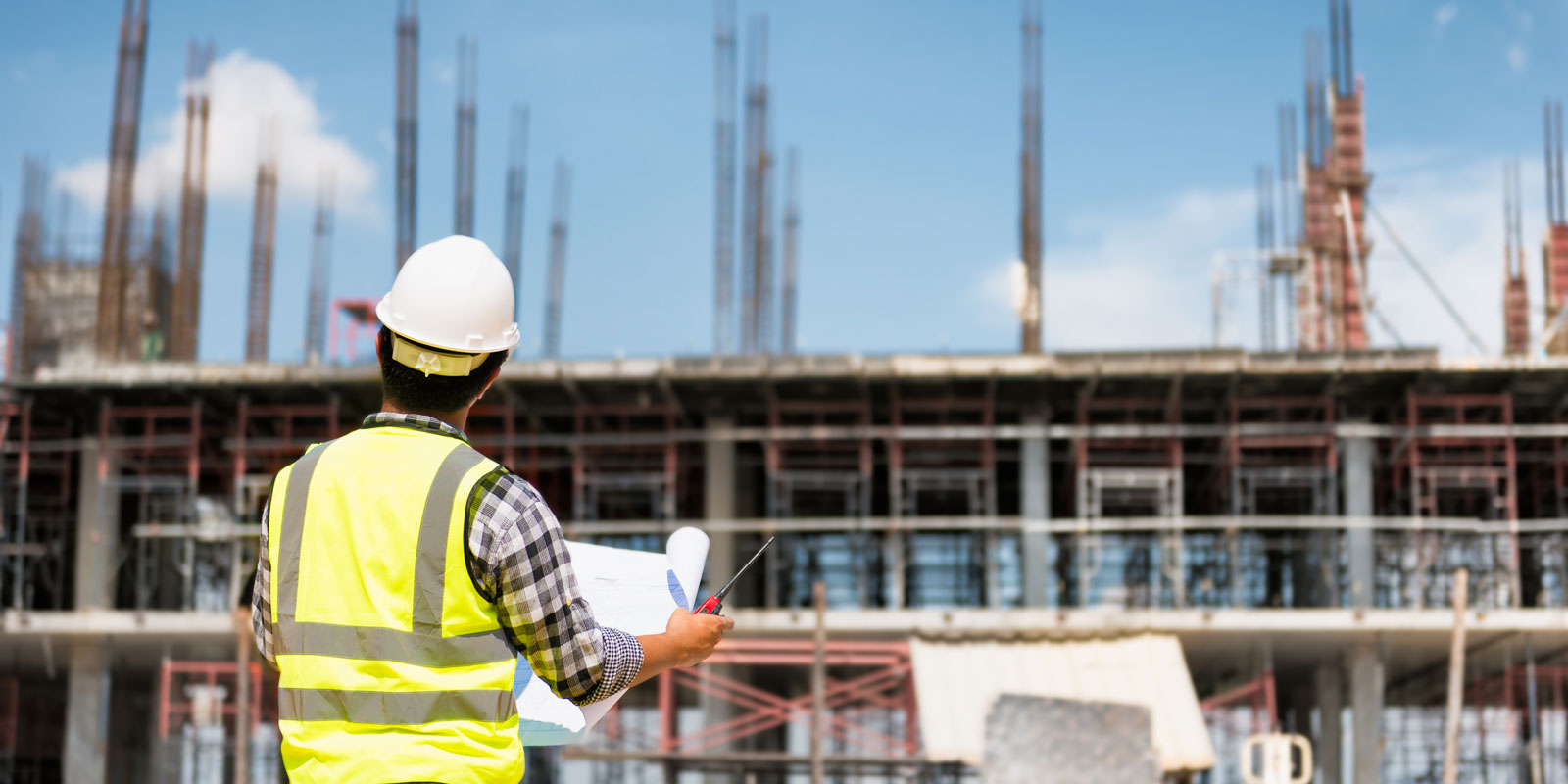 a contractor on a job site that has been determined as safe by a construction law attorney